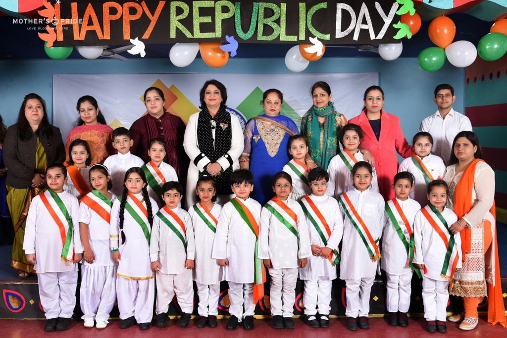 PRIDEENS CELEBRATE REPUBLIC DAY WITH THEIR DEAR SUDHA MA'AM