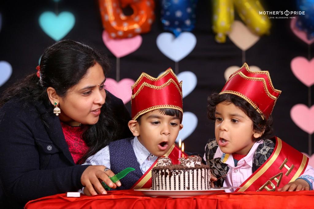 WISHING OUR MARCH BORN PRIDEENS A SPLENDID BIRTHDAY!