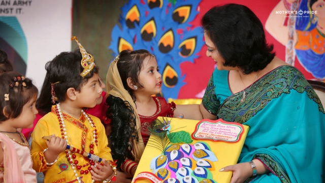 BELOVED SUDHA MA'AM MEETS HER LITTLE KANHAS ON JANMASHTAMI